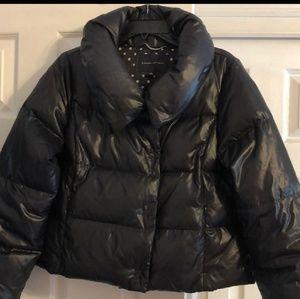 Banana republic cropped down puffer coat in black